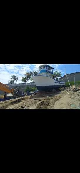 Barco pesquero de fibra