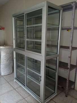 Vitrina de aluminioy vidrio
