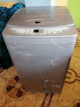 Vendo lavadora LG de 18 libras digital