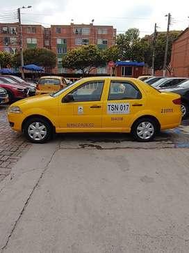 Vendo o permuto taxi fiat siena 2012