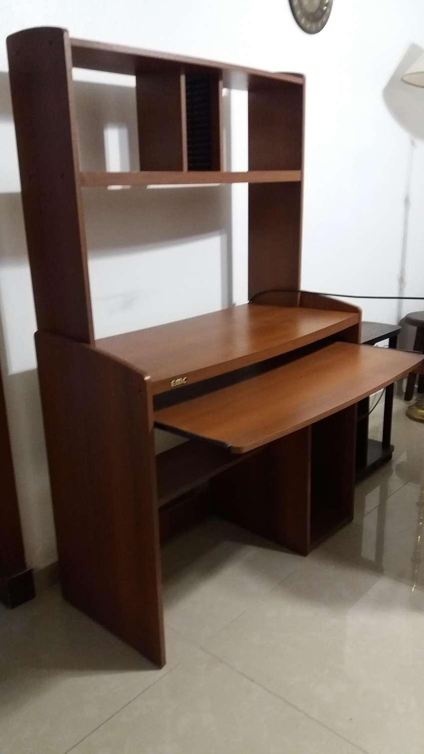 Mueble para computadora 0