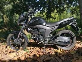 Honda invicta 150 en excelente estado