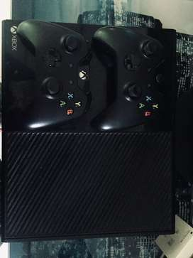 Vendo xbox one + 2 josticks
