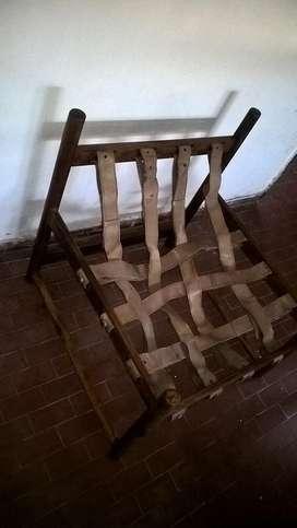vendo sillon de madera y cuero