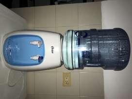 Dispensador de agua OSTER para botellón