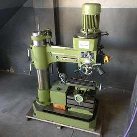 Agujereadora fresadora tipo radial CM32