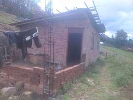 Se vende una casa y terreno en huambocancha