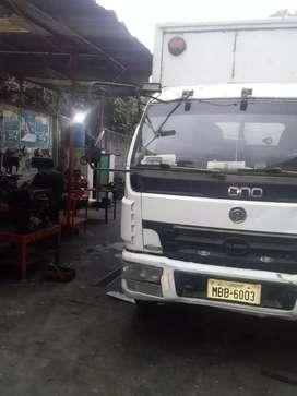 Vendo camión CRONOS con motor HINO FB