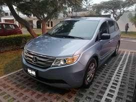 Honda Odyssey con poco kilometraje y en excelente estado