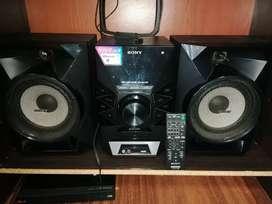 Se vende equipo de sonido SONY