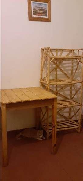 Mesa + Estante de mimbre