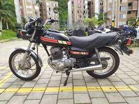 Se vende moto honda CM 200 modelo 82 completamente original
