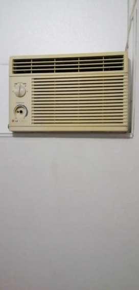 Vendo aire de ventana de 6000 mil btu a 110 de voltage funciona exelente