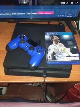 Se vende PS4 Slim