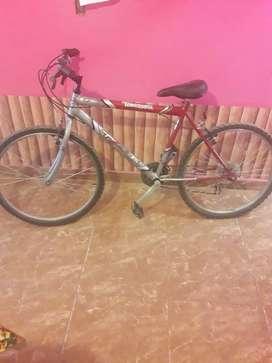 Vendo bici tomaselli r.26 de 18 velosidade