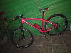 Vendo bicicleta Top MEGA . MTB - R29