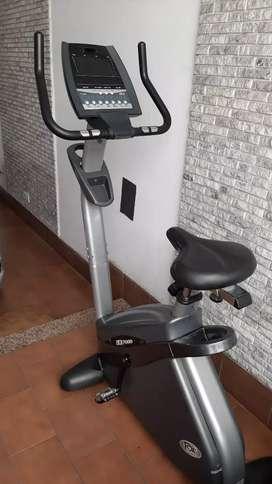 Bicicleta fija con computadora