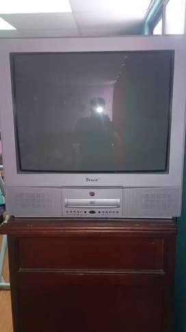 Televisión Kenix 21plgs con reproductor DVD incorporado