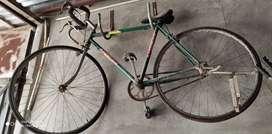 Bicicleta de carrera semi nueva