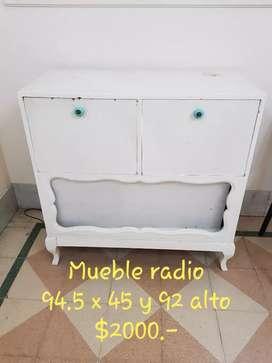 Vendo mueble de radio antiguo