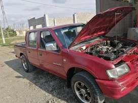 Se vende hermosa camioneta doble cabina 4x2 año 2003 con aire
