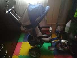 Triciclo tipo coche (usado)