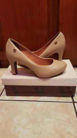 Vendo y regalo zapatos Altos