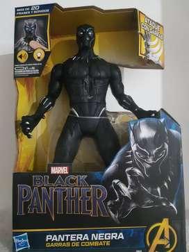 Muñeco Black Panther Garras de Combate Marvel Hasbro