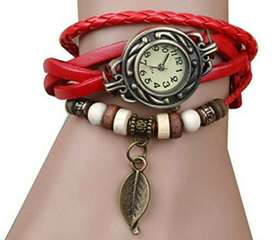 Reloj con Pulsera de Cuero