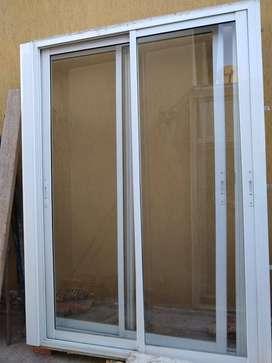Puerta ventana Balcón de 150 x 200 por 2 unidades