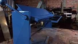 Guillotina para cortar chapas sinusoidal y trapezoidal.