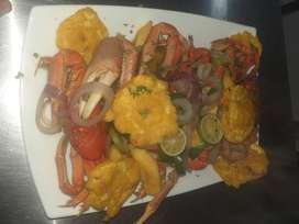 Se necesita cocinero con experiencia en mariscos