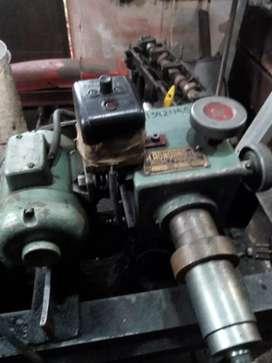Maquina encasquilladora de válvulas
