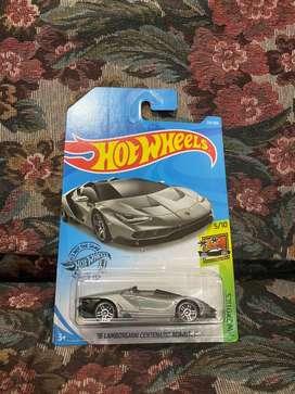 16 Lamborghini Centenario Roadster Hotwheels