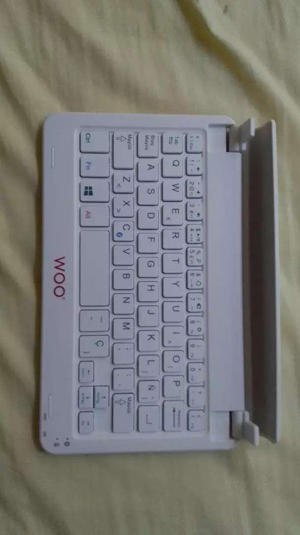 Se vende teclado bluetooth para tablet 0