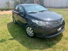 TOYOTA YARIS FULL 2015