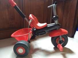 Triciclo en Buen Estado, Poco Uso.