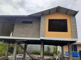 En Puyo casa de remate a 4 cuadras del centro de la ciudad de 5 dormitorios