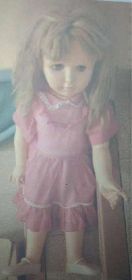 Muñeca tamaño niña