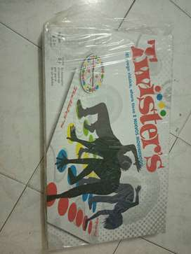 Twister y monopoly