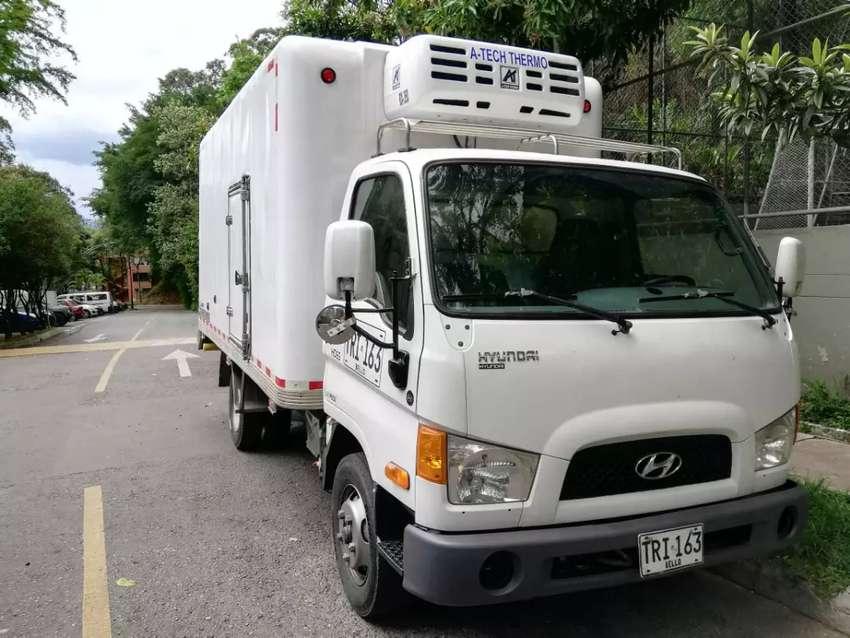Hyundai hd65 larga refrigerada 0