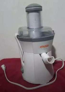 Extractor de Jugo marca IMUSA Frutelia: 1 solo uso (Precio Negociable)
