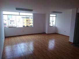 Remato Oficina Totalmente Remodelada en Muy Bien Ubicada en San Borja