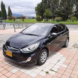 Hyundai i25 GL HB 1.6 modelo 2014