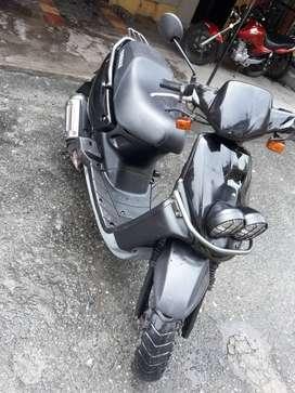 Se vende moto en muy buen estado