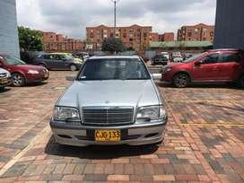 Vendo Mercedez-Benz C-240