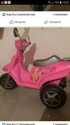 Vendo moto a batería niñas
