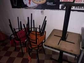 Juego de mesas con sillas