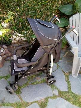 Vendo sillita de paseo y silla para auto