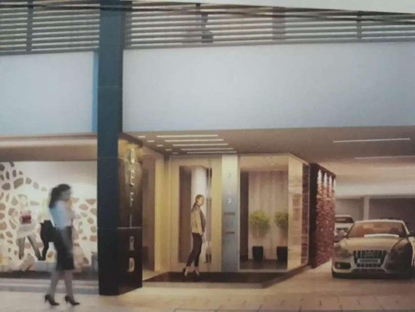 Dpto amplio 2 dormitorios edificio con detalles de categoria contrafrente con balcon 0